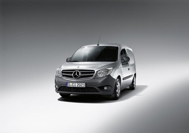 Mercedesbenzcitan11_1200