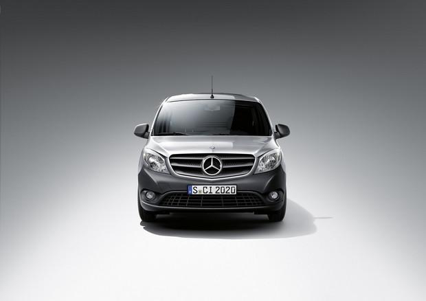 Mercedesbenzcitan9_1200